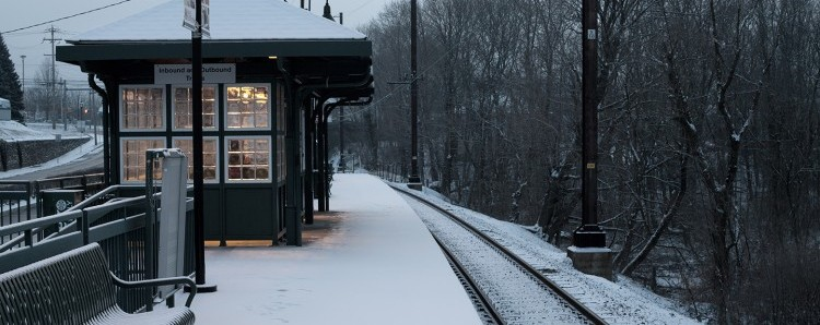 train-station-winter-e1438287674946
